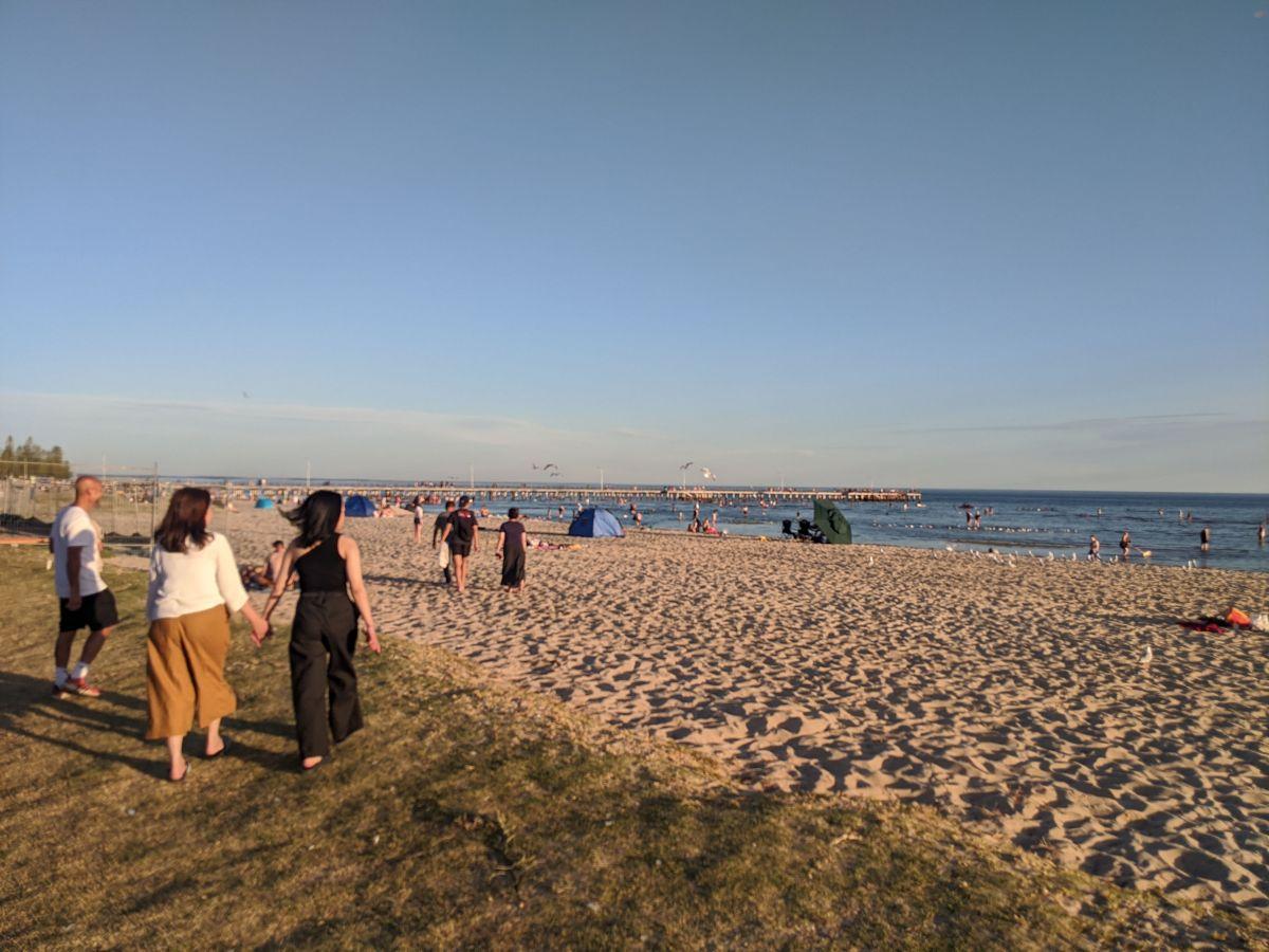 altona beach summer melbourne1