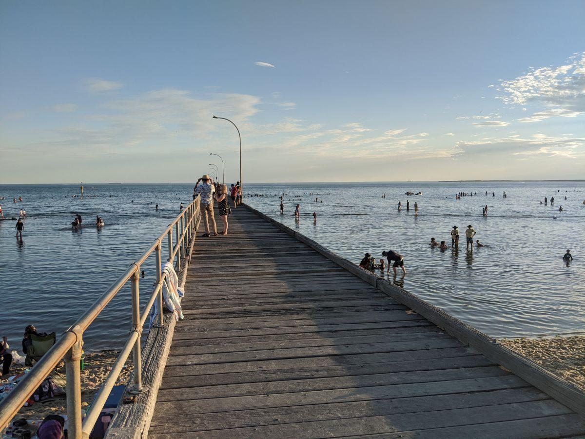 altona beach summer melbourne3