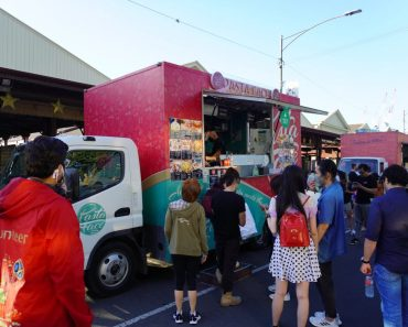 festive truck stop queen vic market10