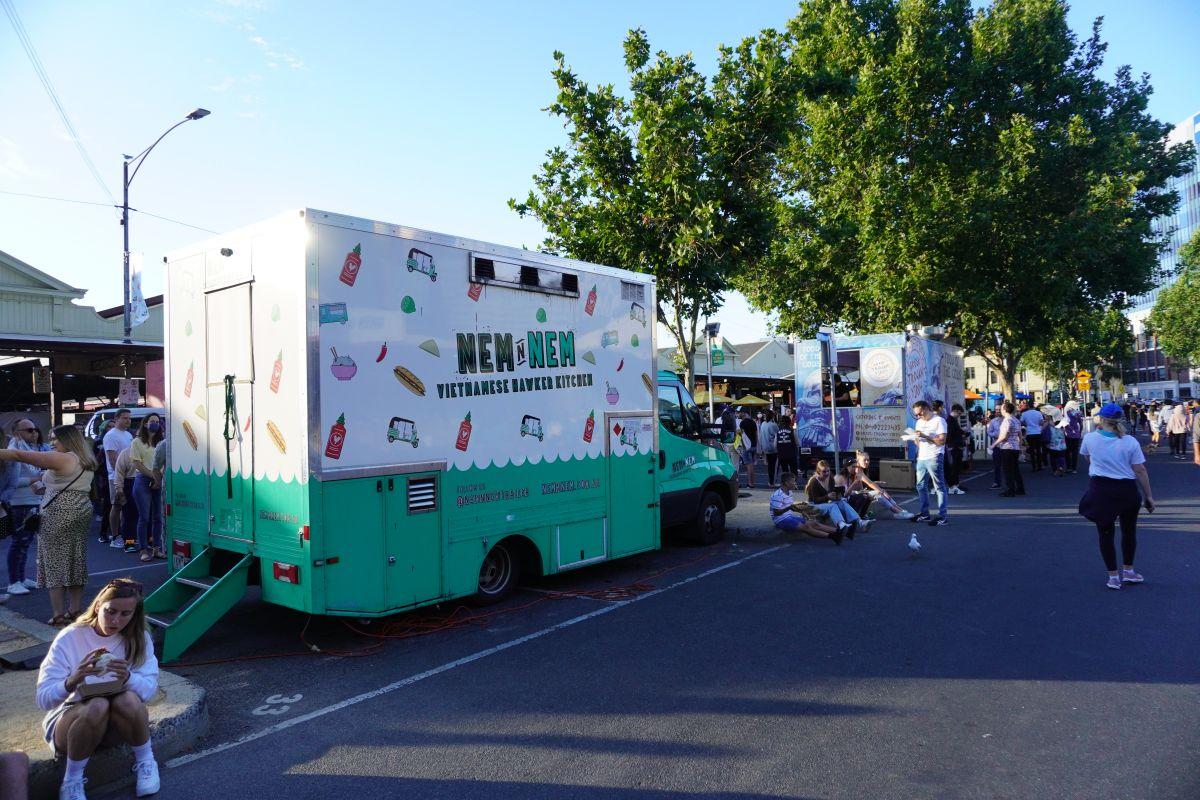 festive truck stop queen vic market4