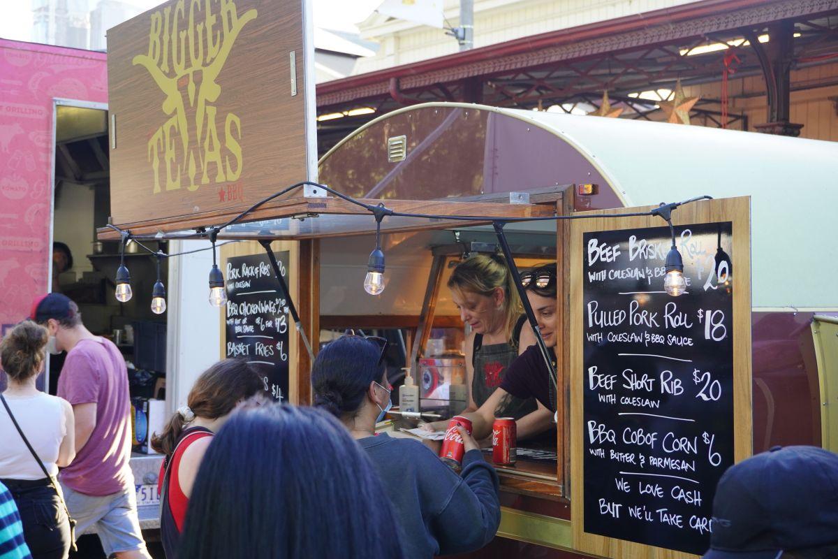 festive truck stop queen vic market6