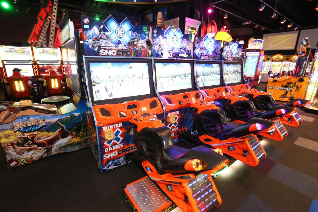 Melbourne casino crown galactice circus slot machine manipulator