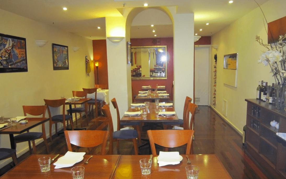 curry vault indian restaurant melbourne - an inside view