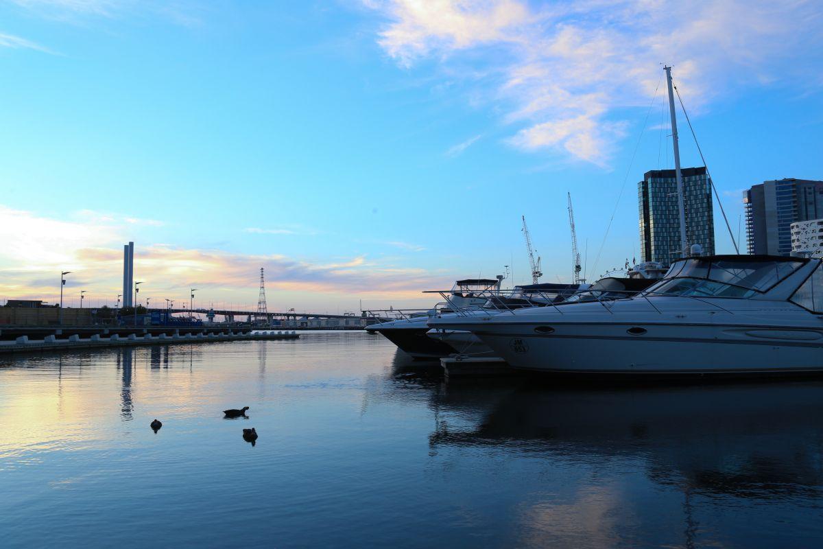 melbourne docks night