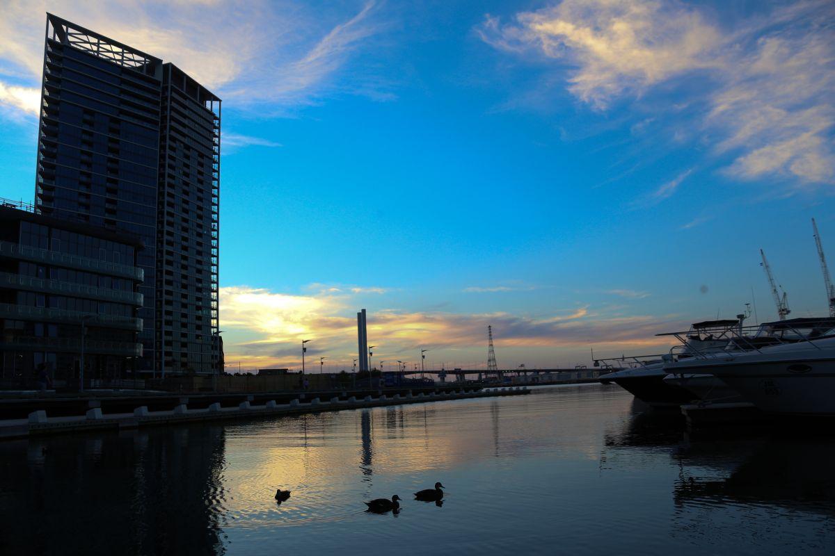 night docks melbourne